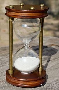 hourglass-2846643_1280_opt